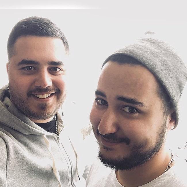 Gotaga as seen in a selfie that was taken with music artist Doigby in La Plagne in January 2018