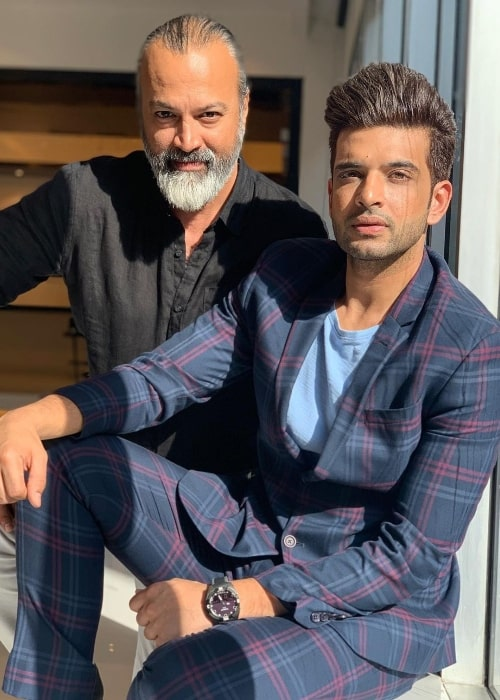 Karan Kundrra (Right) as seen while posing for the camera with Bijay J. Anand