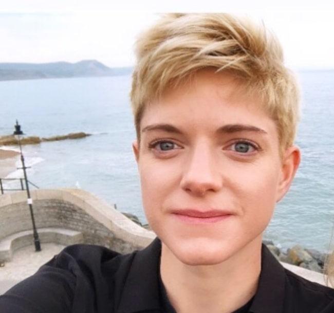 Mae Martin sharing their selfie in June 2019