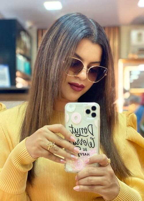 Sneha Wagh as seen while taking a mirror selfie in August 2021