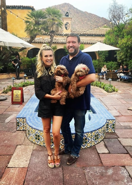 Tinsley Mortimer as seen in a picture with her ex-boyfriend Scott Kluth and her dog Strawberry and Shortcake in Scottsdale, Arizona in September 2020