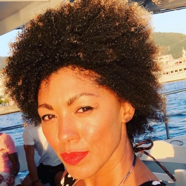 Zoe Williams having a lovely time on a boat in August 2020