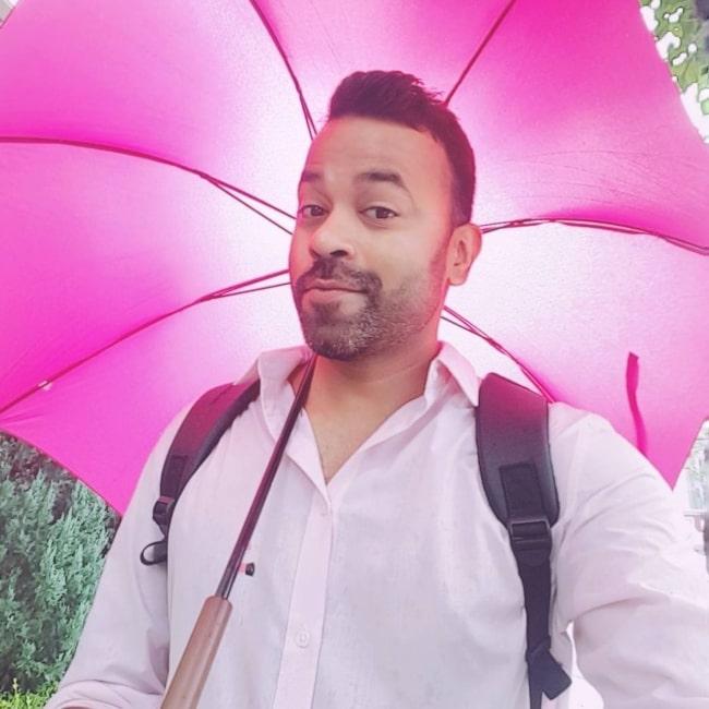 Abhishek Gupta enjoying being a pinkman on a happy Monday in July 2017