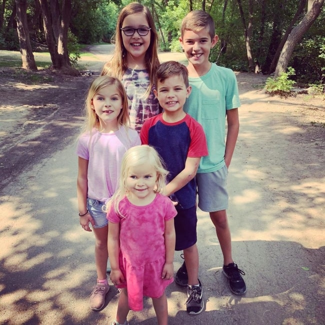 Caleb Johnston as seen in a picture with his siblings Isaac Johnston, Elise Johnston, Laura Johnston, and Janae Johnston in August 2021