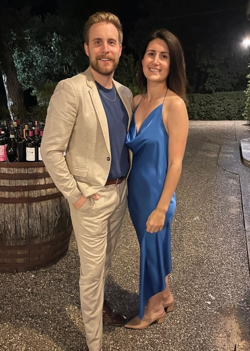 Jen Statsky as seen in a picture that was taken with her spouse Travis _Tug_ Helwig in Italy in September 2021