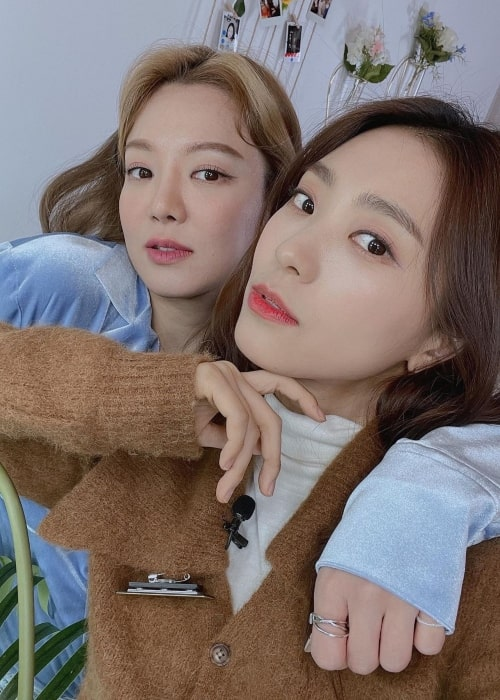 Yoon Bo-ra as seen in a selfie that was taken with Hyoyeon Kim in March 2021